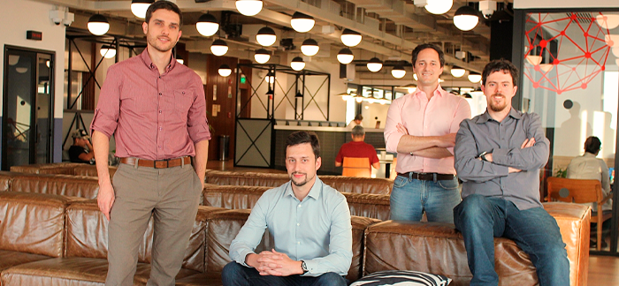 Foto com Mauricio Carrer, Denis Cossia, Alexandre Hepner e Odilon Castriota: sócios fundadores da InstaCasa.